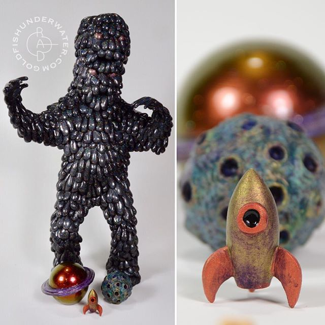 It's tonight! At a towering 15 inches tall, the Mega Galactic Void is on view tonight only at @facetgallery for the Kaiju Art Toy Extravaganza. There's going to be crazy monster art by 50+ artists along with Japanese snacks, a cash donation bar, and a screening of Godzilla afterwards at the Plaza. Hope to see you there!
